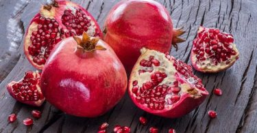 Pomegranate health benefits and side effects